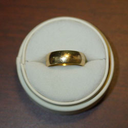 Gold18K_Ring1_crop
